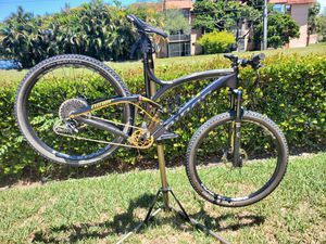 Niner carbon fiber full suspension mountain bike. for Sale in Pompano Beach, FL
