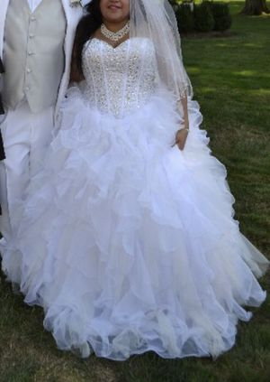 Wedding dress for Sale in Norwalk, CT