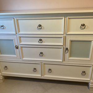 Prentice Dresser for Sale in Fort Lauderdale, FL