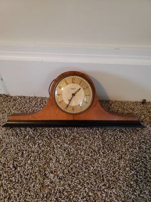 Antique clock for Sale in North Ridgeville, OH