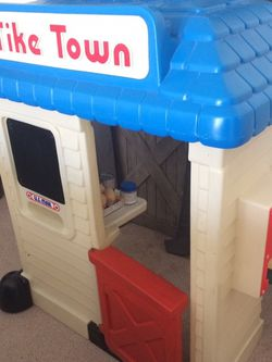 Little Tikes Play Store for Sale in Arlington Heights,  IL