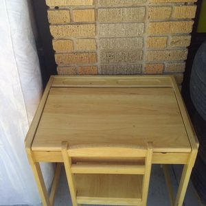 Children's Desk With Chair Great For Rwmote Learning for Sale in Fort Worth, TX