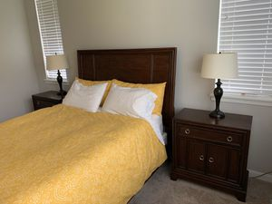 Queen Bedroom set (6 piece) for Sale in Olympia, WA