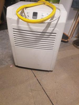 Dehumidifier.. NO SHIPPING SORRY for Sale in Aurora, IL