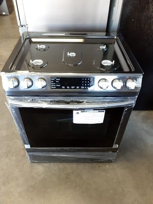 New Samsung Gas Slide In Stove with Convection Oven for Sale in Long Beach, CA