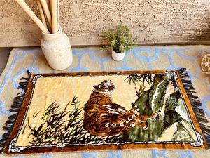 Vintage Velvet Tapestry for Sale in Baldwin Park, CA