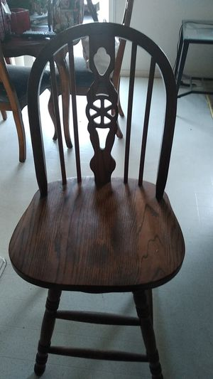 2 wooden bar stools for Sale in Moreno Valley, CA