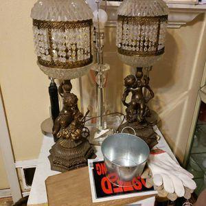 Vintage bronze and crystal Cherub lamp for Sale in Lakeland, FL