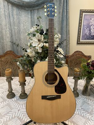 natural yamaha electric acoustic guitar for Sale in South Gate, CA