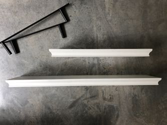 White wooden floating shelves for Sale in Bothell,  WA