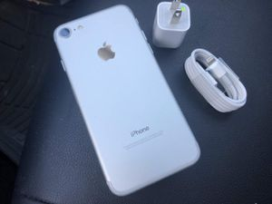 iPhone 7 just like NEW & FACTORY UNLOCKED for Sale in VA, US