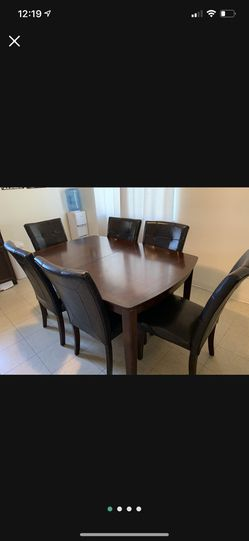 Dining Table for Sale in Cutler, CA