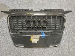 Audi A3 8P (06-08) NEW Original Center Grille & Bracket for Sale in Oswego, IL