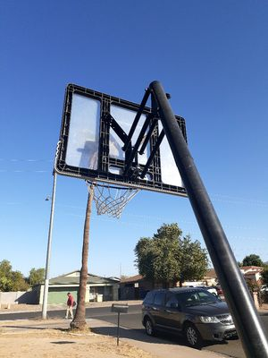 Basketball hoop for Sale in Phoenix, AZ