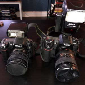 NIKON D80 & D300 BUNDLE *CAMERA BODIES ONLY* for Sale in Miami, FL
