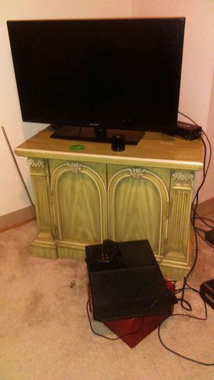 Xbox one 32 inch Samsung for Sale in Detroit, MI