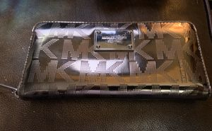 Michael Kors Mk Silver Metallic Accordion Wallet , Pre-Owned , Super Hot 🔥🔥🔥 for Sale in Pendleton, IN