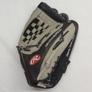 "Rawlings 13.5"" Right Hand Baseball Softball Glove for Sale in Anaheim, CA"