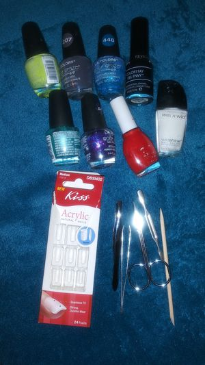 Lot of Tweezers Nails & Nail Polish for Sale in Oklahoma City, OK