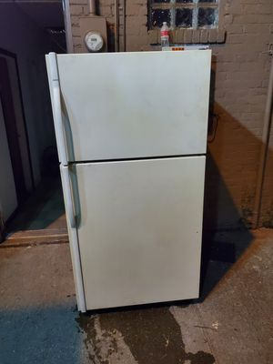 Refrigerator store name ( CAPELES) for Sale in Cleveland, OH