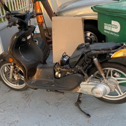 Scooter for Sale in Hialeah,  FL