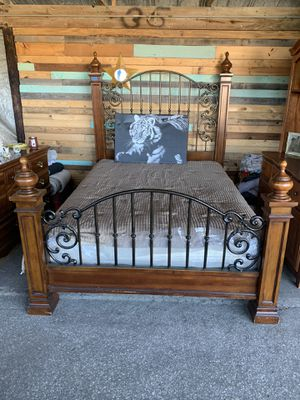 All SolidWood Queen Size Wrought Iron Bed Frame for Sale in Ocala, FL