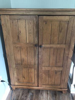 Broyhill solid Oak cabinet for Sale in Allentown, PA