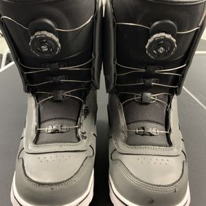 Vans BOA snowboard boots (Men's Size 11) for Sale in Newcastle, WA