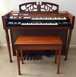 Conn Deluxe Caprice Organ Model 463 w/Bench for Sale in Carlisle, PA