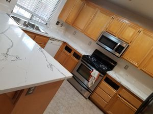 Quartz kitchen counter tops for Sale in Orange, CA
