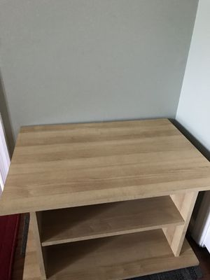 World market Office / side table (moving sale) for Sale in Germantown, MD