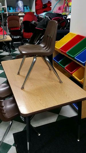 Kids Table with 4 Chairs for Sale in La Mesa, CA