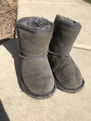 Girls boots size 11Y for Sale in Temecula, CA