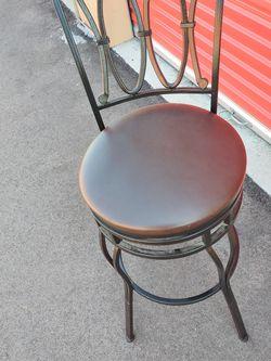 ONE SWIVEL BAR STOOL for Sale in Franklin,  IN