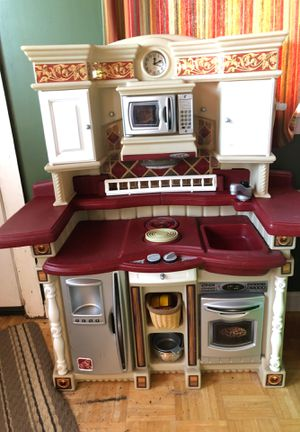 Step2 kitchen for Sale in Medford, MA