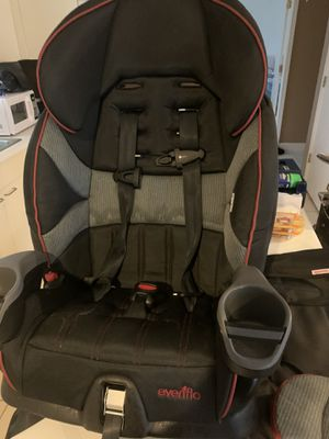 Evenflo car seat black with red trim for Sale in Hampton, GA