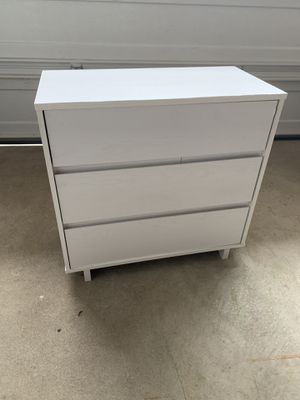 3 Drawer Dresser (White Wood) for Sale in Old Bethpage, NY