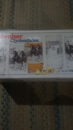 8 piece of Budweiser glass antiques set for Sale in Triadelphia, WV