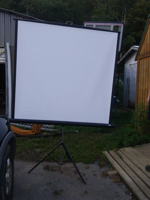 Projector screen for Sale in Quinwood, WV