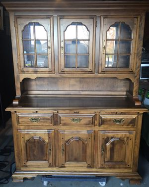 Lighted Temple Stuart China Cabinet w/glass front Hutch for Sale in Durham, NC