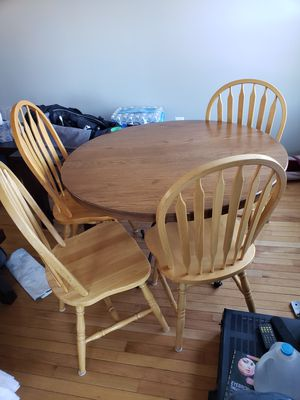 Kitchen table and 4 chairs for Sale in Clifton, VA