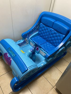 Disney Frozen Sleigh 12-Volt Battery Powered Ride-On for your little Elsa and Anna - Hours of Fun! for Sale in Annandale, VA