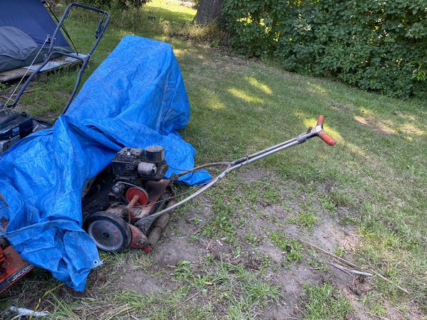 Toro reel mower runs 2.5 HP