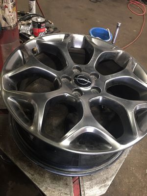 C Condition Chrysler 300 rim for Sale in Wheeling, IL