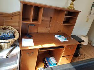 Computer desk for Sale in Mocksville, NC