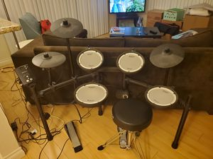 Roland TD-1DMK Electronic Drum Set Premium Bundle for Sale in Los Angeles, CA