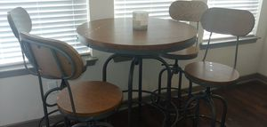 Perfect Solid Table Set for Sale in Plano, TX