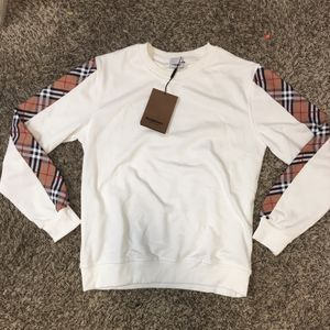 Burberry Sweater for Sale in Houston, TX