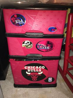 Bulls Plastic Dresser for Sale in Moline,  IL