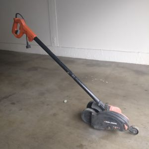 Black & Decker Edger for Sale in Riverside, CA